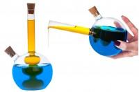 """Γυάλινο στρόγγυλο μπουκάλι """"δίχωρο"""" μαζί με 2 φυσικούς κωνικούς φελλούς. Χειροποίητο από φυσητό γυαλί - 460 ml"""