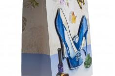 """Χάρτινη 3-D τσάντα δώρο, σχέδιο """"μπλέ γόβες"""", μέγεθος """"L"""", 31x12x42cm"""