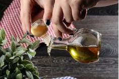Γυάλινο κανατάκι 170 ml με χερούλι και γυάλινο πώμα