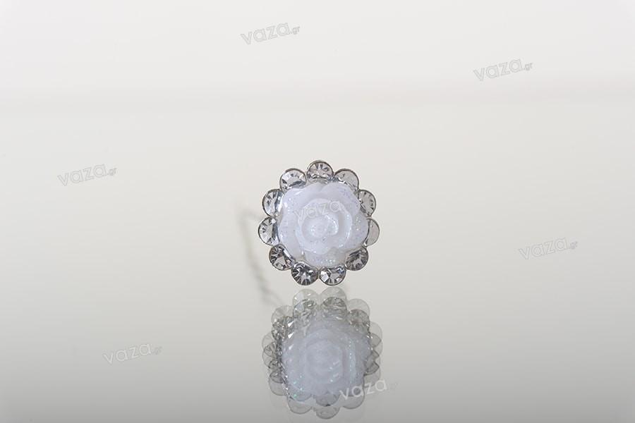 Καρφίτσα διακοσμητική μεταλλική με πέρλα και στρασάκι σε σχήμα τριαντάφυλλο (πλάτος 14 mm) – 20 τμχ