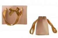 """Τσάντα δώρου 130x70x100 mm με τύπωμα """"ξύλου"""", χερούλι και φιόγκο"""