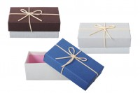 Boîte cadeaux en papier 150x90x55 avec nœud et ruban suède – lot de 6 pièces