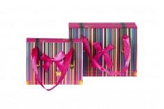 """Τσάντα δώρου ριγέ """"Ορθογώνιο"""" πλαστικοποιημένη με φιόγκο και χερούλι από κορδέλα σατέν 130x70x100"""